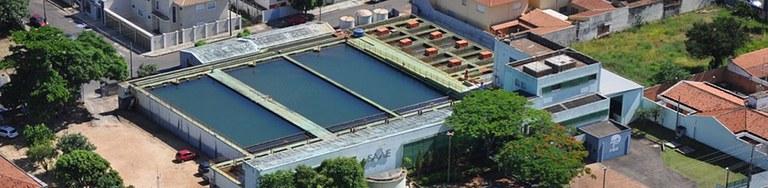 O Químico está presente no tratamento de água.